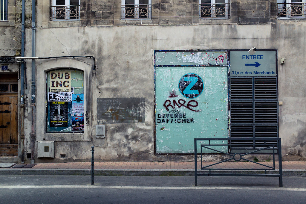 Défense d'afficher, Avignon
