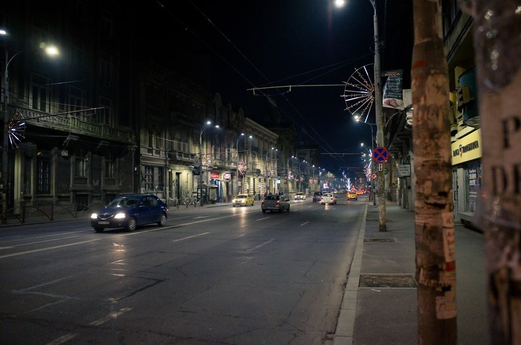 Night boulevard, Bucharest