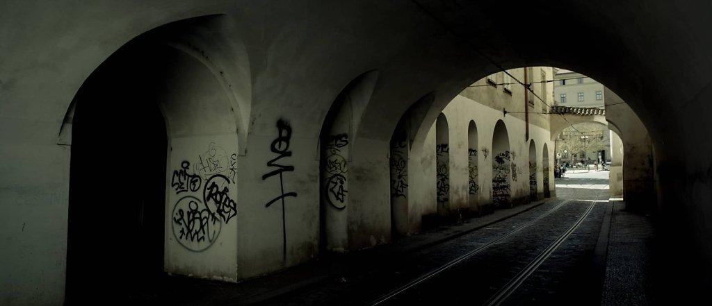 Tunnel, Prague