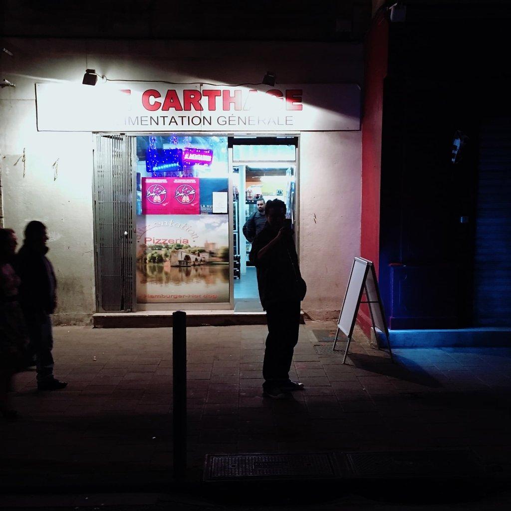 Alimentation generale dans la nuit, Avignon