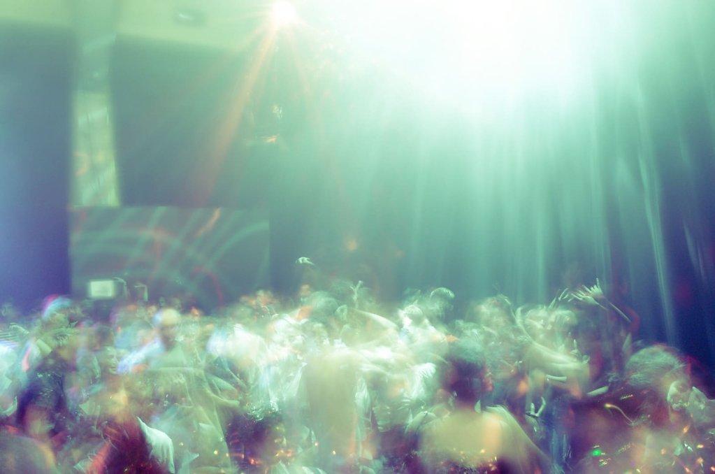 Night clubbing, II