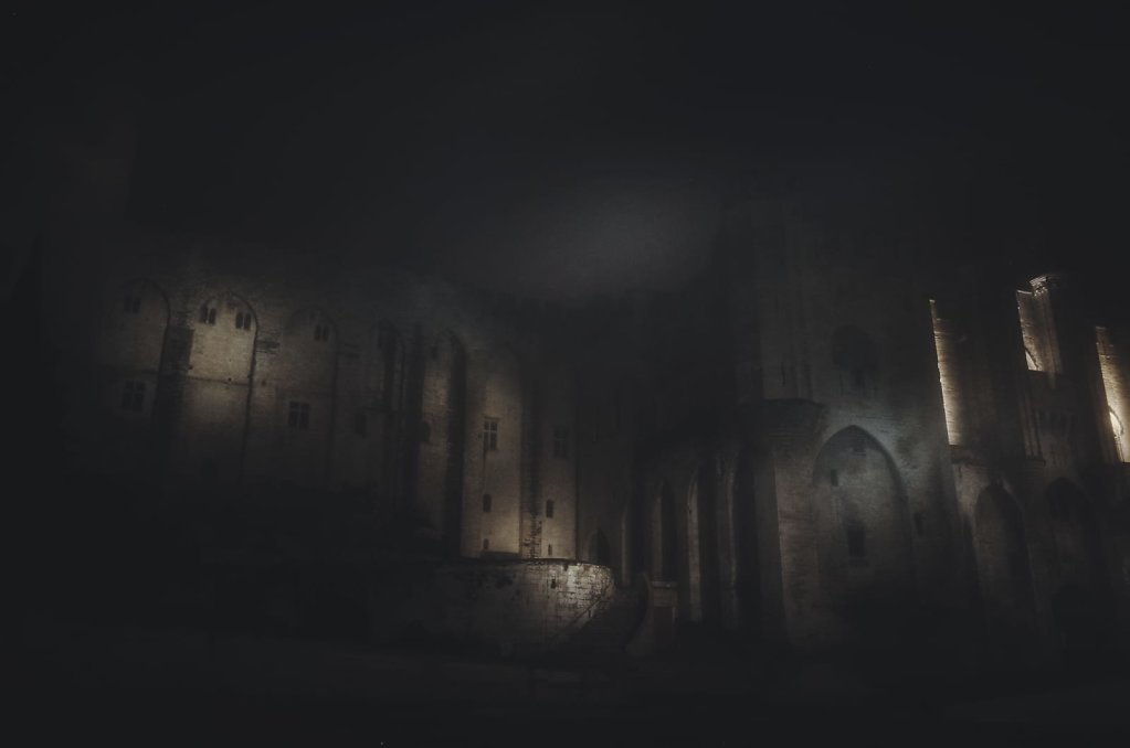 A rare foggy night in Avignon 1/3