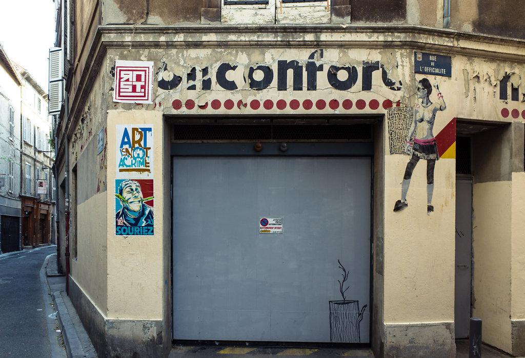 Unidentified mark, Avignon