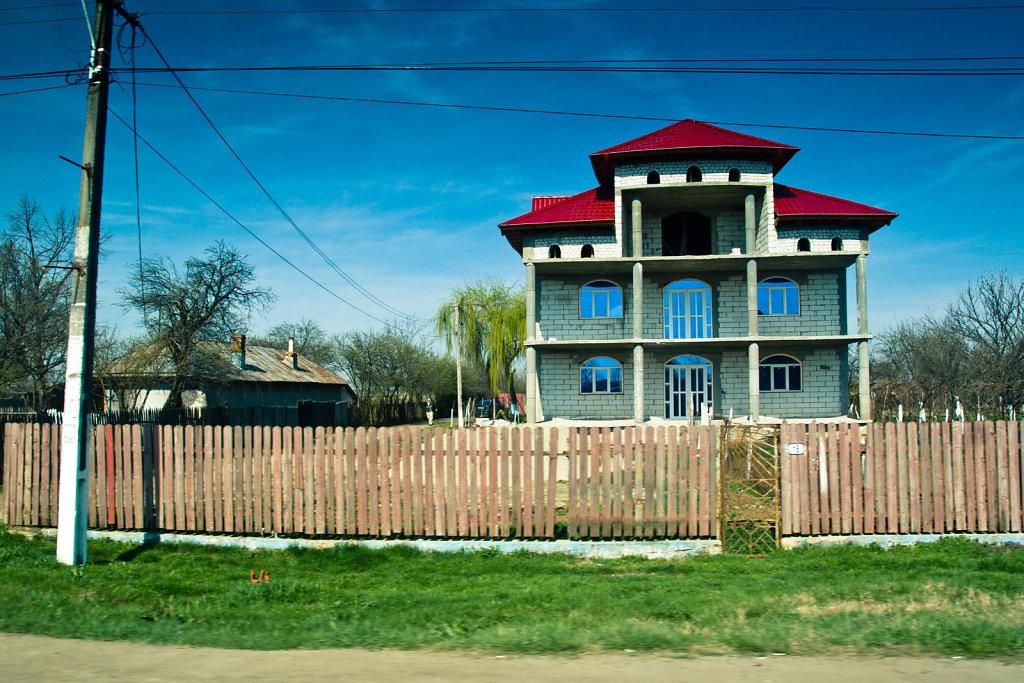 Identical house, VI