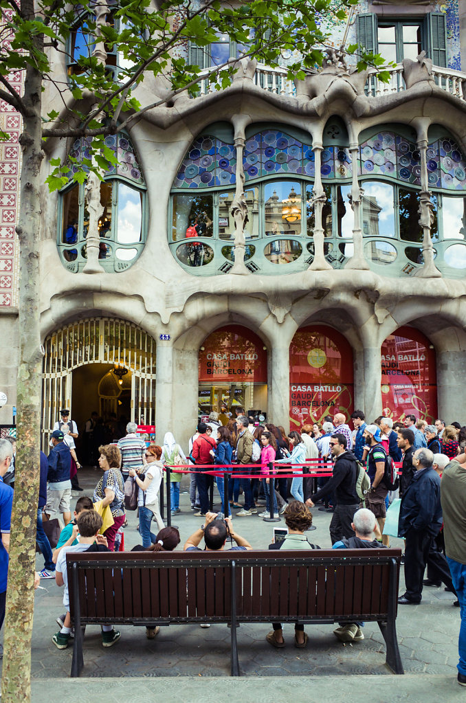 Queueing for Casa Batllo, Barcelona