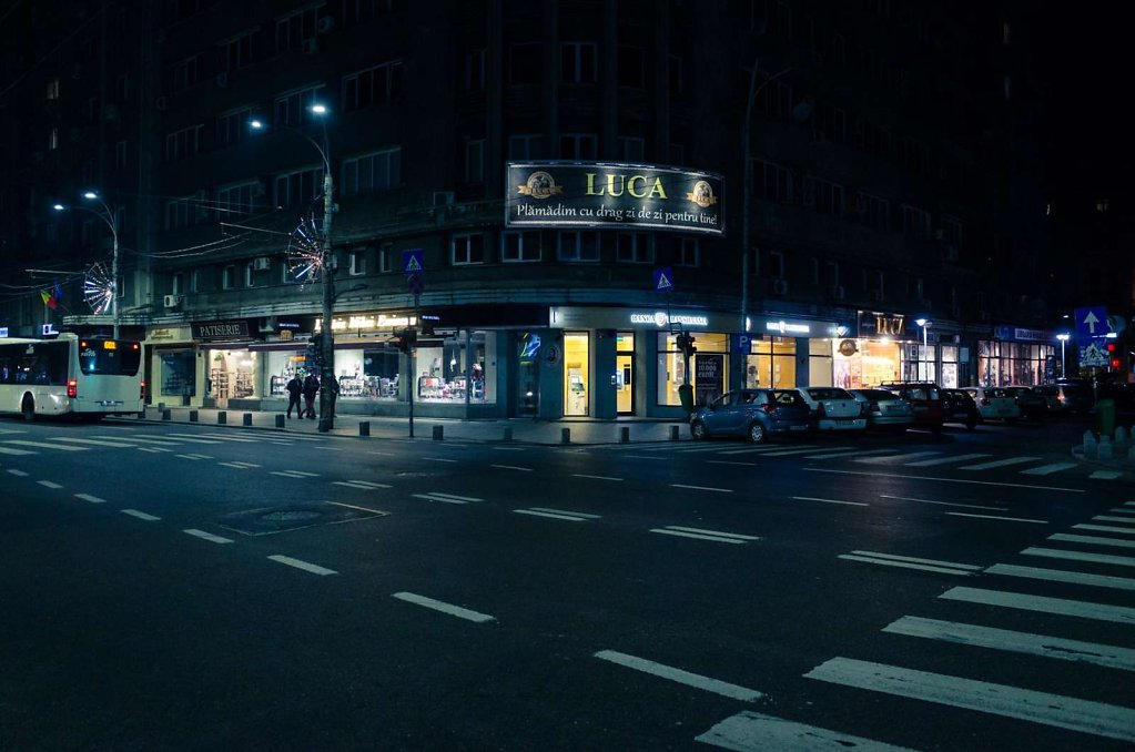 Intersection at night, Bucharest