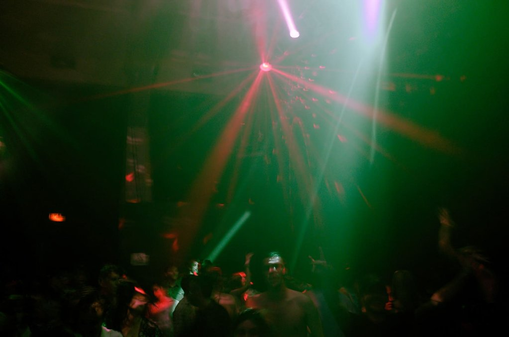 Night clubbing, I