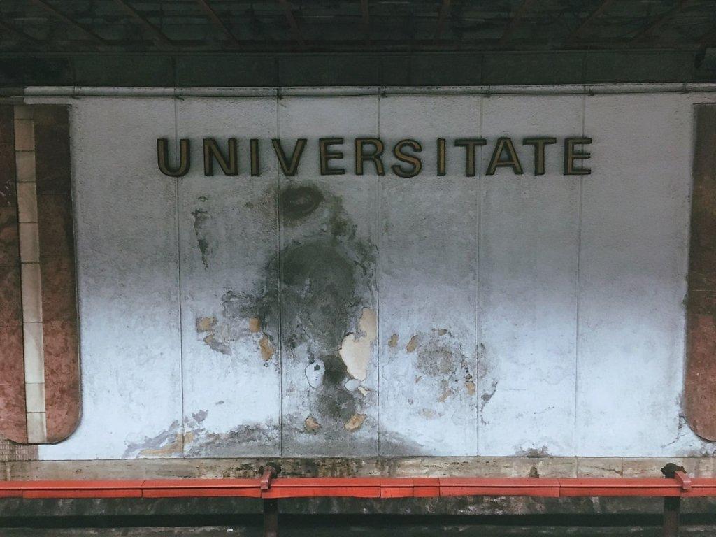 Univers(itate)